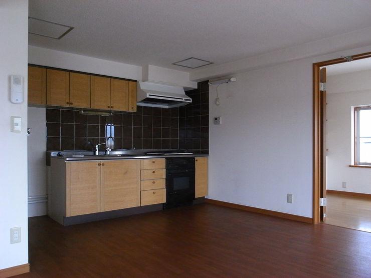 本城洋一建築設計事務所 Kitchen Wood Wood effect