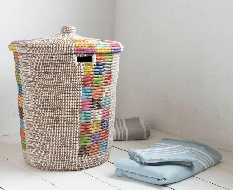 Disco laundry basket homify Salle de bainRangements Marron