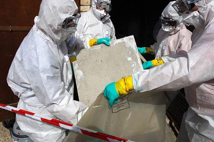 Asbestos being removed Asbestos Removalists Moderne Esszimmer