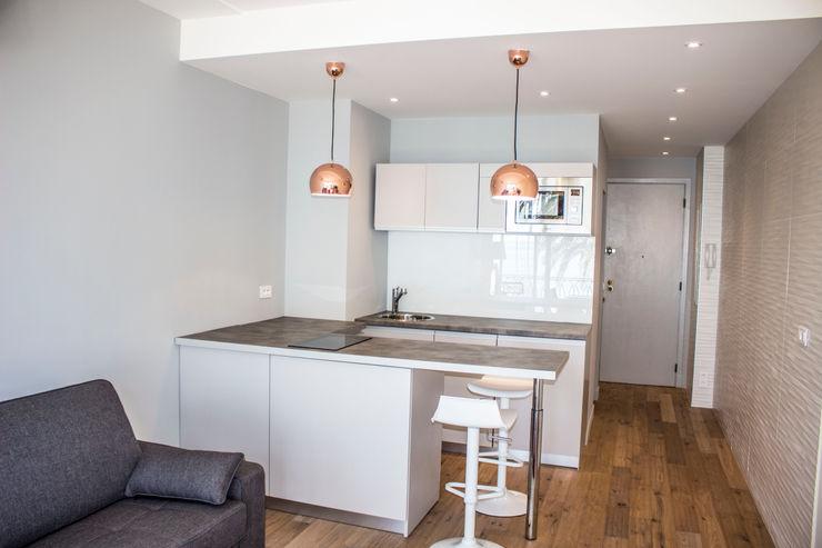 Blue Interior Design Dapur Modern Komposit Kayu-Plastik Grey