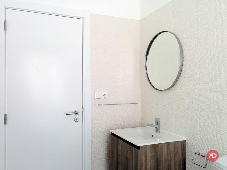 Casa de Banho ARCHDESIGN LX Casas de banho ecléticas Cerâmica Branco