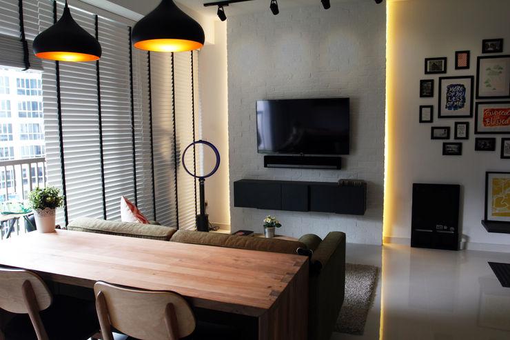 homify Scandinavian style living room Wood Brown