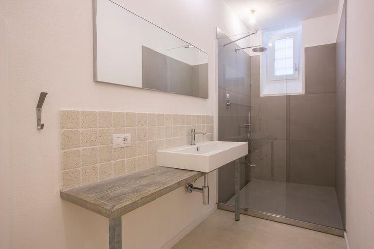 mc2 architettura Mediterranean style bathrooms