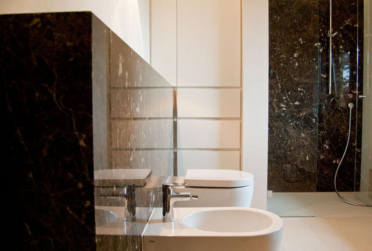 Ströhmann Steindesign GmbH Rustic style bathroom
