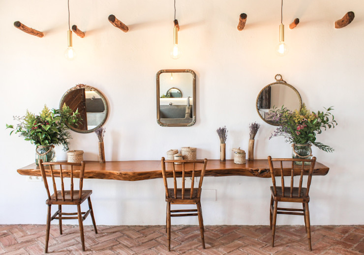 homify Rustic style dining room