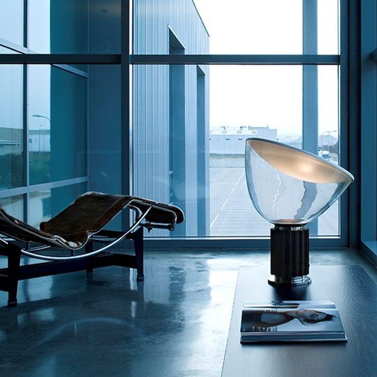 Lampada Taccia by Flos MOHD - Mollura Home and Design Soggiorno moderno