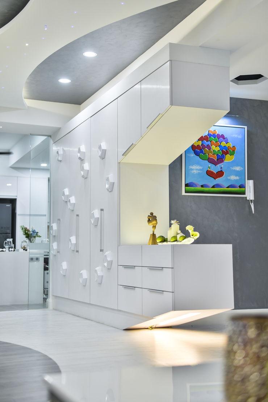 Ultramodern Loft | CONDOMINIUM Design Spirits Living room