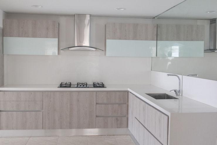 Monica Saravia Modern Kitchen