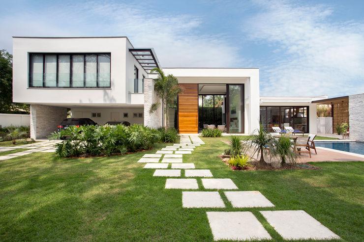 homify Casas modernas: Ideas, diseños y decoración Vidrio