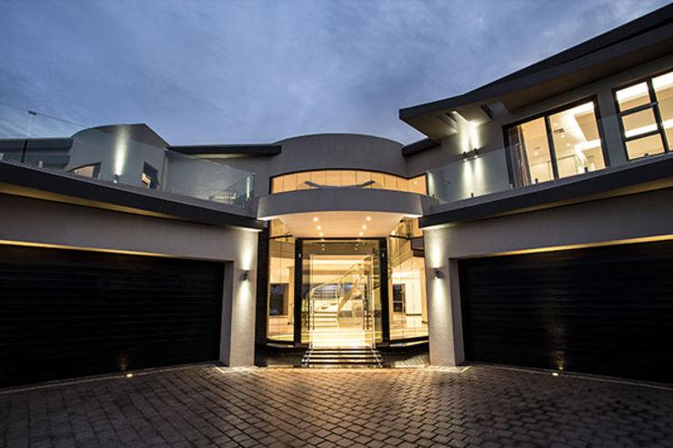 Residence Calaca FRANCOIS MARAIS ARCHITECTS Modern houses Grey
