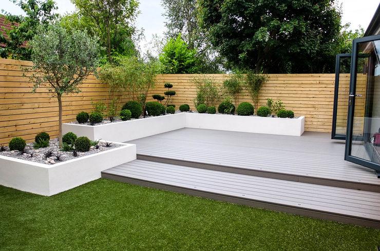 Small, low maintenance garden Yorkshire Gardens Minimalist style garden Wood-Plastic Composite