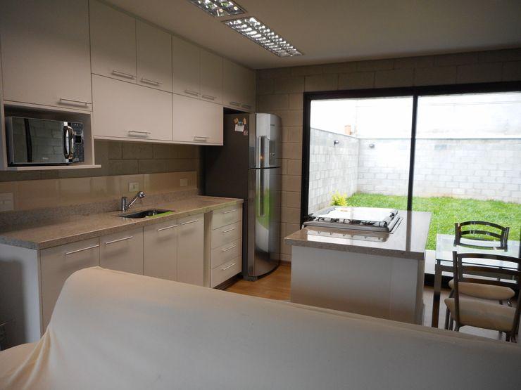 Metamorfose Arquitetura e Urbanismo Rustic style kitchen