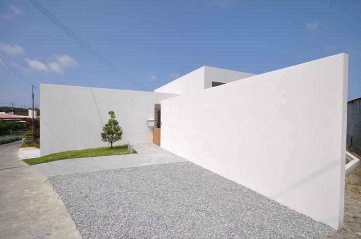HG-HOUSE 門一級建築士事務所 モダンな 家 鉄筋コンクリート 白色