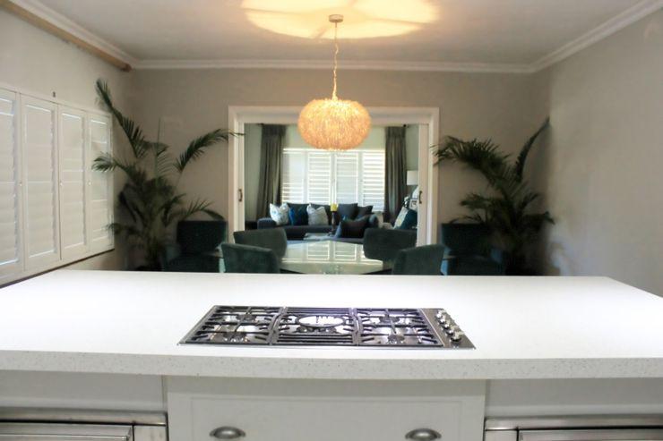 Margaret Berichon Design Klasik Mutfak Orta Yoğunlukta Lifli Levha Beyaz