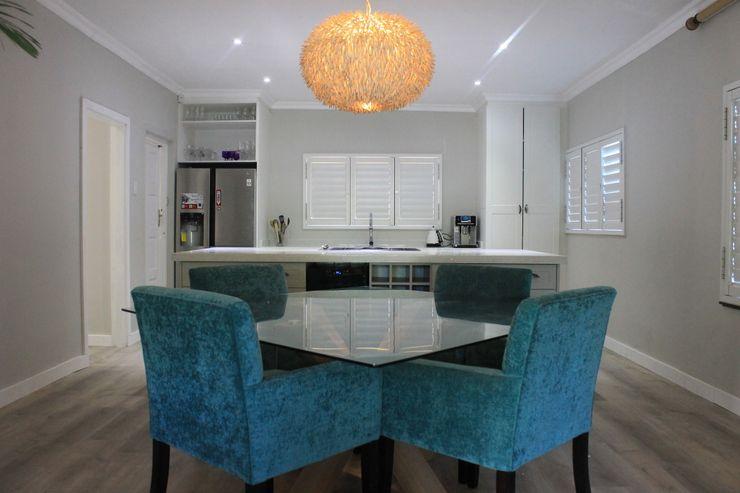 Margaret Berichon Design Klasik Yemek Odası Cam Mavi