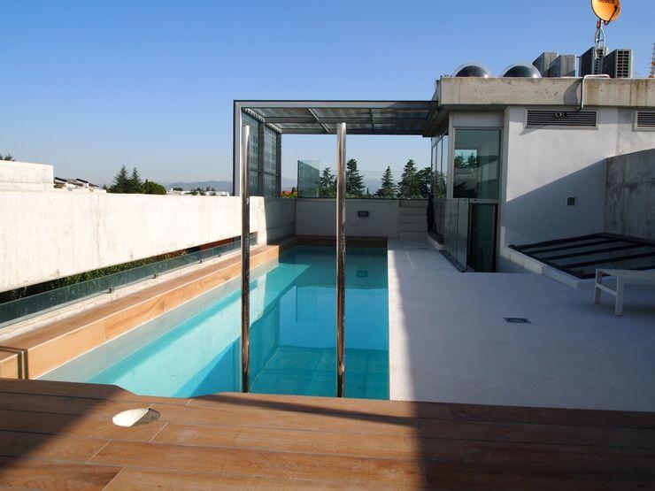 piscina Reformmia Piscinas de estilo minimalista
