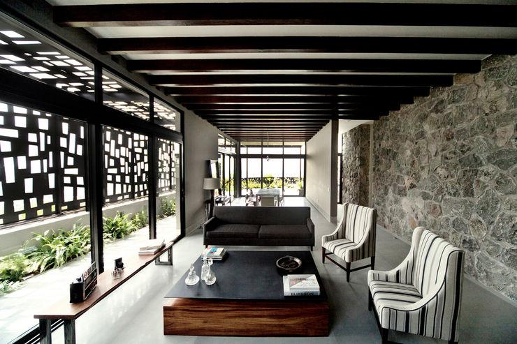 Casa Horizonte - VMArquitectura VMArquitectura Salones de estilo moderno Hormigón