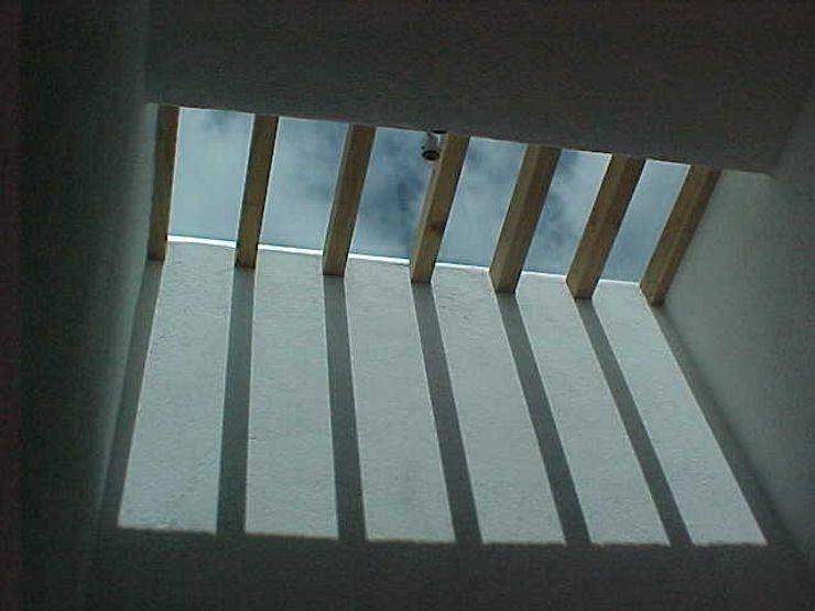 AMG Arquitectura Integral Couloir, entrée, escaliers modernes Bois