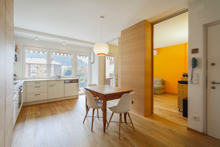Apartment G&G Manuel Benedikter Architekt Sala da pranzo in stile classico