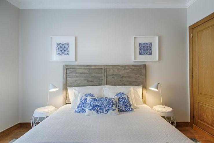 TRAÇO 8 INTERIORES Modern Bedroom