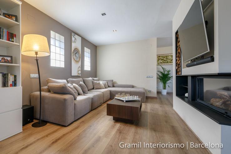 Vivienda en Cesalpina Gramil Interiorismo II - Decoradores y diseñadores de interiores Salones de estilo moderno