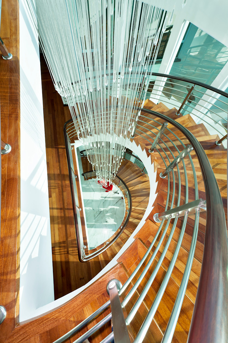 Contemporarily Dashing   BUNGALOW Design Spirits Modern corridor, hallway & stairs