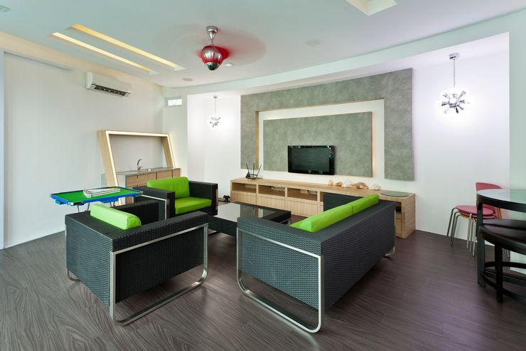 Contemporarily Dashing   BUNGALOW Design Spirits Living room