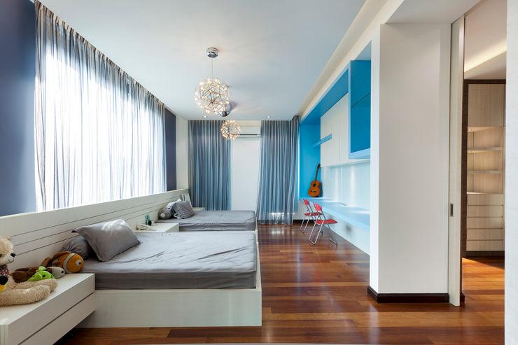 Contemporarily Dashing   BUNGALOW Design Spirits Modern style bedroom