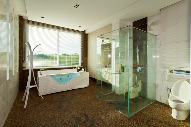 Contemporarily Dashing   BUNGALOW Design Spirits Modern style bathrooms
