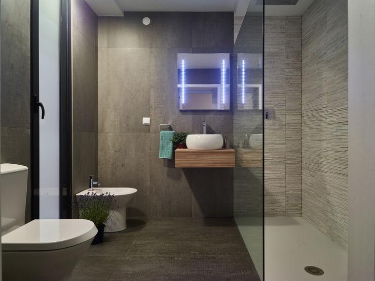 Casa modular ClickHouse 現代浴室設計點子、靈感&圖片