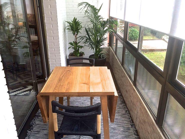 EKIDAZU Balcone, Veranda & Terrazza in stile moderno