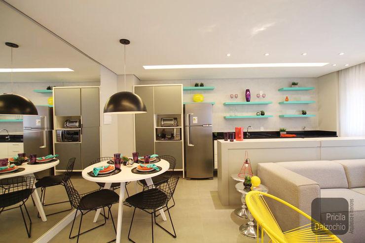 Jantar Pricila Dalzochio Arquitetura e Interiores Salas de jantar modernas Multi colorido