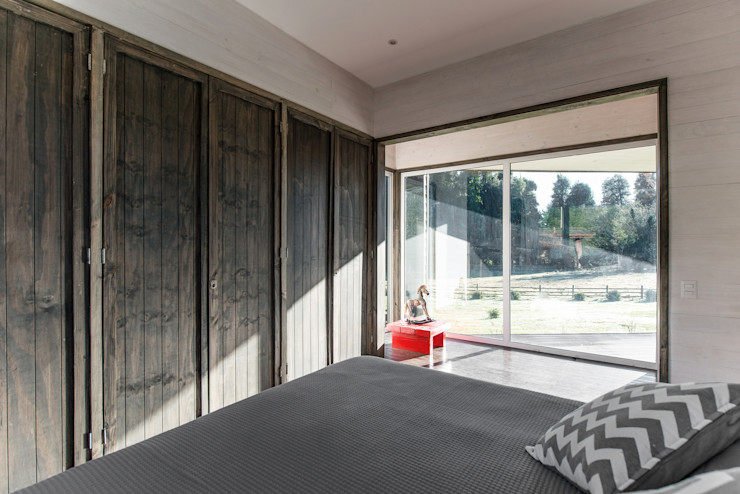 ESTUDIO BASE ARQUITECTOS Rustic style bedroom Wood