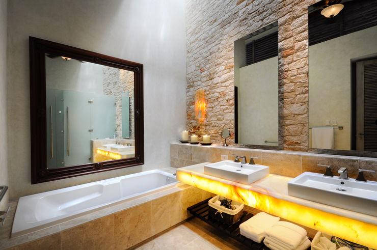La Casa de las Sirenas Ancona + Ancona Arquitectos Baños modernos