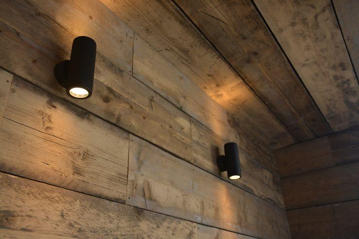 Reclaimed timber Robert Hughes Garden Design Taman Gaya Industrial
