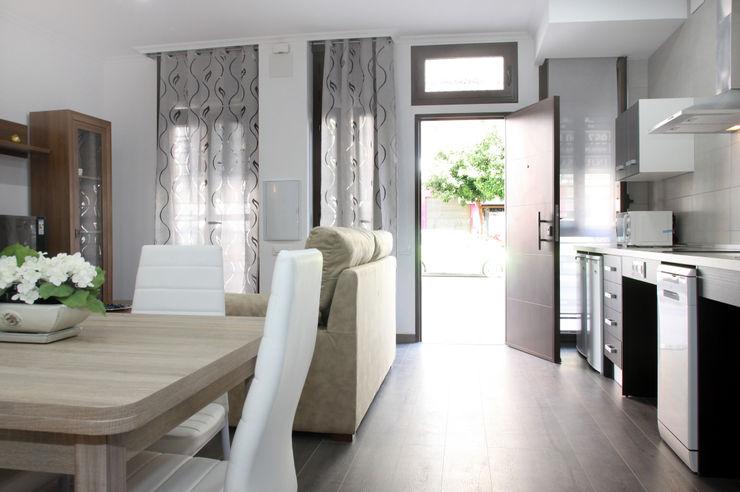 Loft Adaptado Platero Leiva_#LoftODB6 Mohedano Estudio de Arquitectura S.L.P. Salones de estilo moderno