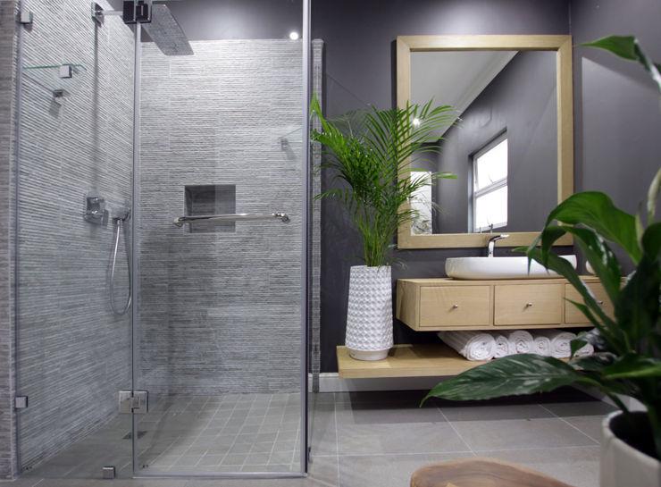 BEACH HOUSE JSD Interiors Eclectic style bathroom Wood Grey