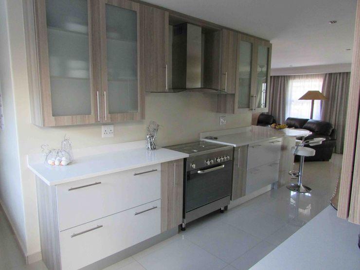 DG Construction Modern kitchen