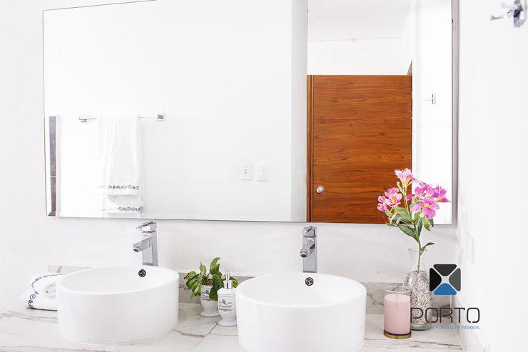 PORTO Arquitectura + Diseño de Interiores Baños de estilo moderno