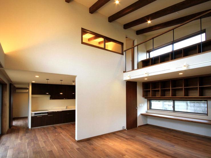 homify Modern living room Wood White