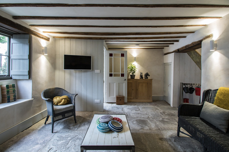 Miner's Cottage II: Living Room design storey Living room