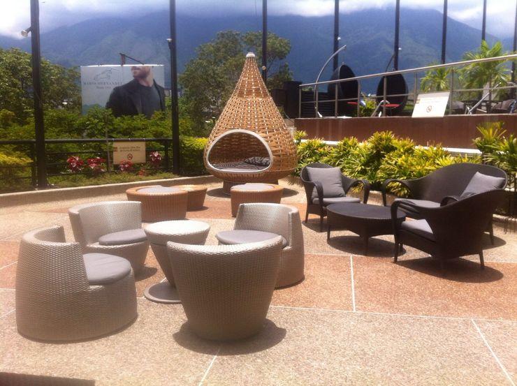 Proyecto Hotel THE muebles Balcones y terrazas de estilo moderno