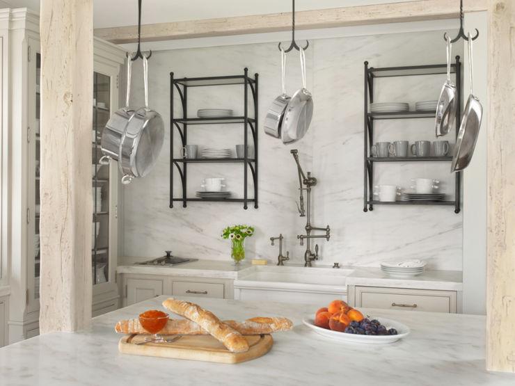 BROOKSBERRY & ASSOCIATES KITCHENS AND BATHS Cocinas de estilo clásico
