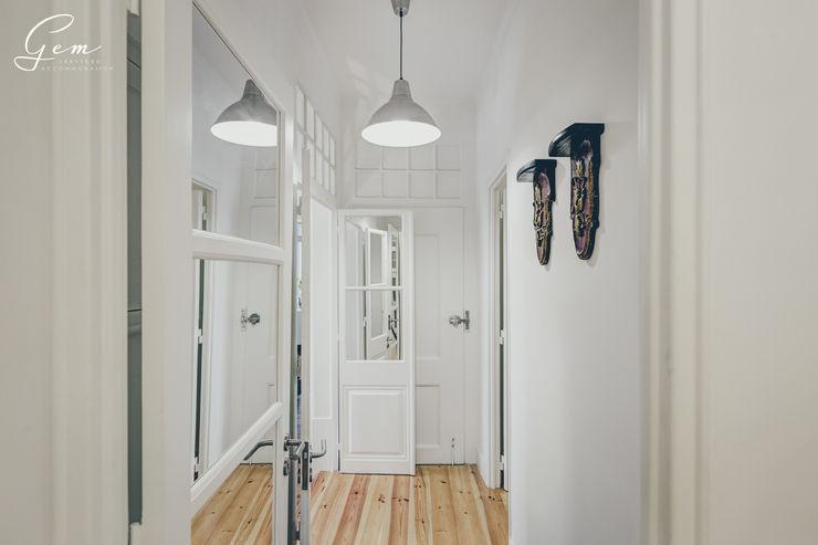 Obrasdecor Rustic style corridor, hallway & stairs Wood White