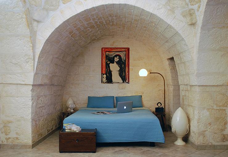ABBW angelobruno building workshop Country style bedroom