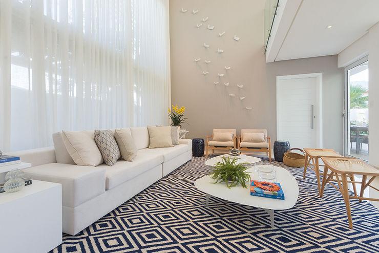 Renata Matos Arquitetura & Business 客廳配件與裝飾品 亞麻織品 Multicolored