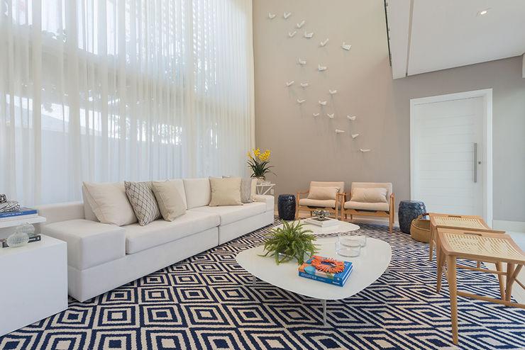 Renata Matos Arquitetura & Business 客廳配件與裝飾品 亞麻織品 Beige