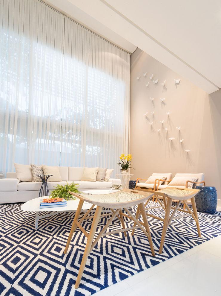 Renata Matos Arquitetura & Business 客廳配件與裝飾品 MDF Beige