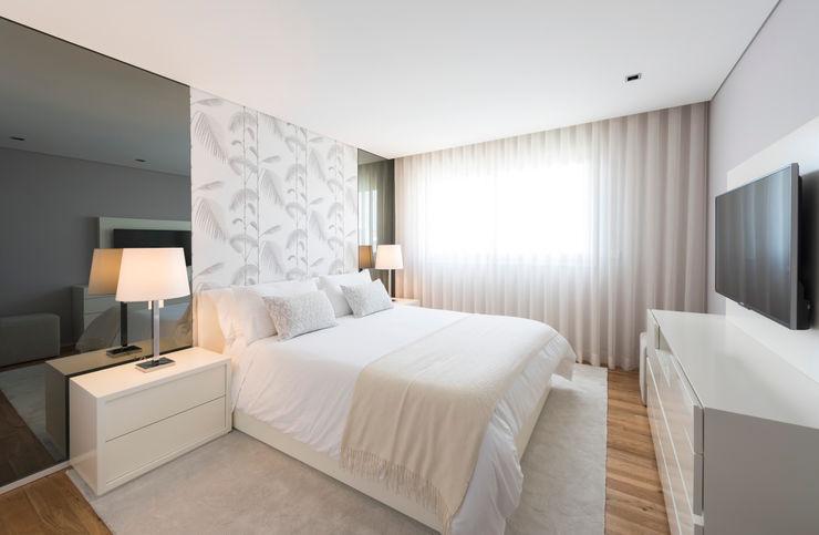 Filipa Cunha Interiores Modern Bedroom White