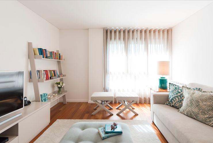 Filipa Cunha Interiores Modern Living Room Turquoise
